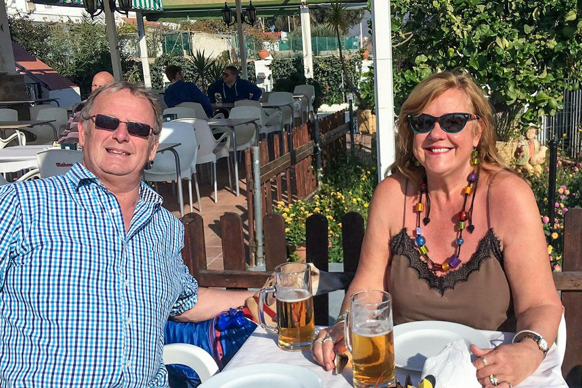 Grupo Platinum - Paul and Debbie